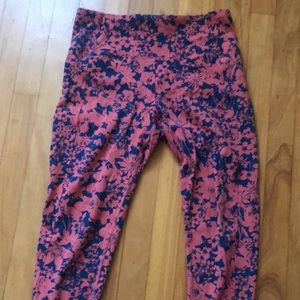 Lululemon size 10 wonder under crop